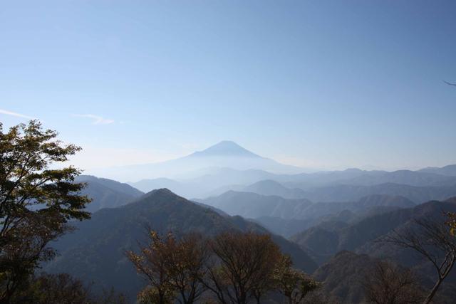 鍋割山(丹沢)  山ガールのための山歩きガイド